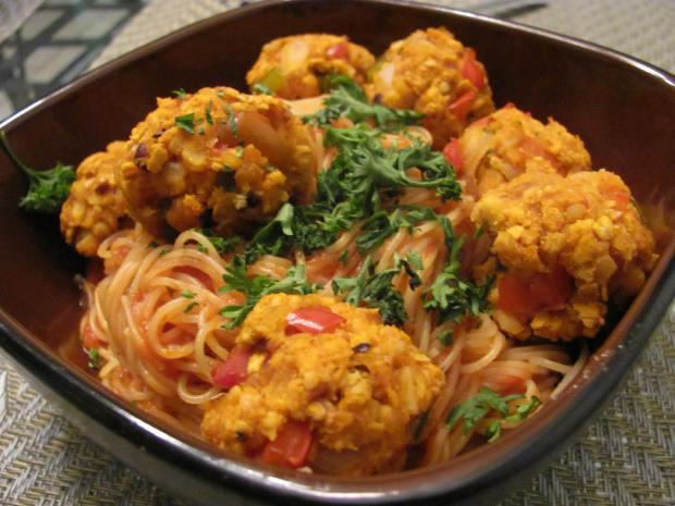 Spaghetti and Italian Tempeh Meatballs